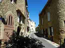 Village Street, Provence